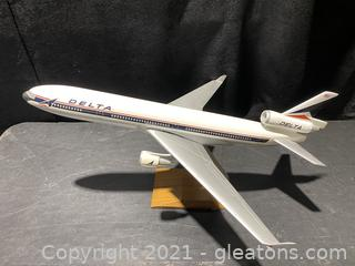 Delta Model Airplane