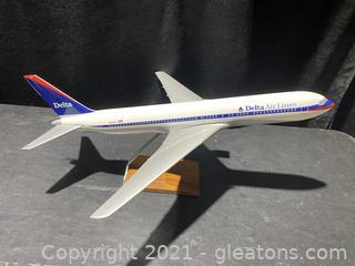 Delta N190DN Model Airplane
