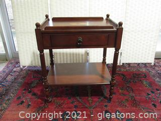 Mahogany Accent Table With Inlay Wood