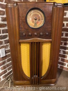 Vintage  Model 4587, Sears, Roebuck and  Co. Floor Radio