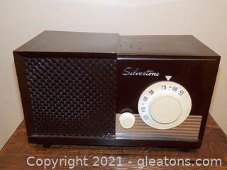 Vintage Silvertone Electric Radio
