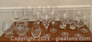 Lovely 20 Piece Wine Spirit and Glass Ware Lot