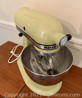 Vintage Kitchen Aid K45 Yellow/Green Tilt Mixer
