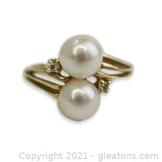 Classic Pearl and Diamond Ring in 14kt Yellow Gold
