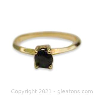 Cute Sapphire Solitaire Ring in 10kt Yellow Gold