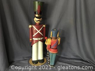 Tin soldier and paper machete soldier