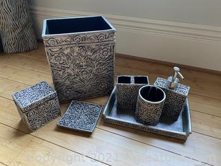 Elegant Set of Bath Accessories