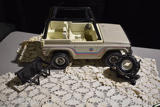 Tonka Ford Bronco Emergency Service Truck with Extras