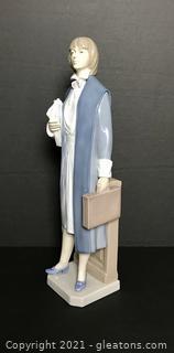 "LLADRÓ Porcelain Figurine ""Female Attorney"" (6425) with Box"