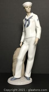 "LLADRÓ Porcelain Figurine ""On Shore Leave"" (6654) with Box"