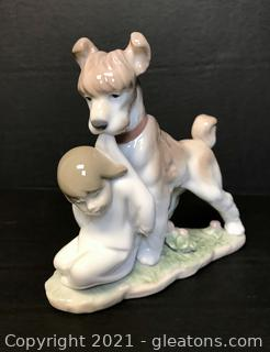"""LLADRÓ Porcelain Figurine """"Safe and Sound"""" (6556) with Box"""