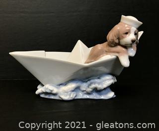 "LLADRÓ Porcelain Figurine ""Little Stowaway"" (6642) with Box"