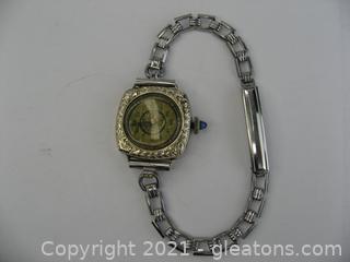 Ladies Vintage Manual Gold Watch