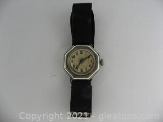 Beautiful Vintage Ladies Manual Watch