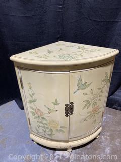 Pretty Corner Cabinet