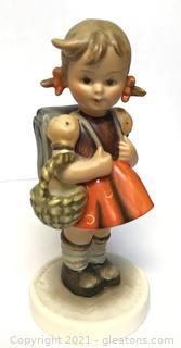Hummel 81: School Girl