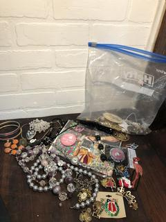Lot of Vintage Jewelry Pieces and findings
