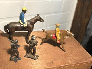 Lot of Antique and Vintage Lead Toy Soldiers