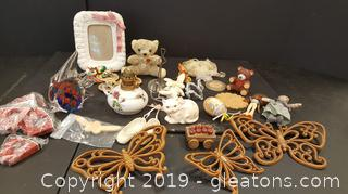Small Lot Of Vintage Collectibles Dolls, Glass, Frame, Wall Butterflies