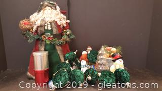 Great Lot Of Christmas Decor