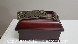 Nice Wooden Great Detail Wooden Jewelry Box