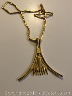Vintage 1976 Metropolitan Museum of Art Collectible Necklace