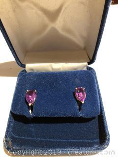 14kt Gold Pear Shaped Amethyst Earrigs Studs