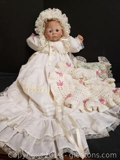 Vintage 1985 Lee Middleton Doll First Moments Christening