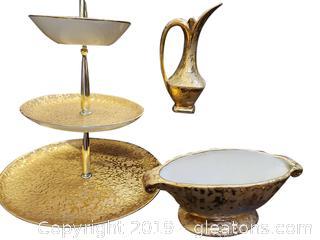 Vintage Elynor 22 Karat Gold Weeping Bright Gold (3) Pieces Set