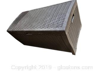 Large Suncast Wicker Look/Resin Outdoor Storage Trunck