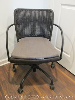 Stylish Desk Roller Chair