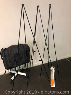 3 Quartet Instant Display Easels With XL Travel Case Rolling Stand