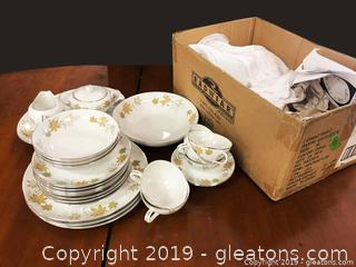"""""""Gayle"""" By Loveley Fine China Lovely Fine China Made In Japan - Eight Place Settings Incl. Creamer Sugar Vegt Bowl And Potter"""