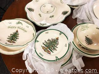 Christmas Spode China Set For 10 Plates