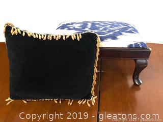 Lot Of Small Stool And Pillow - Decorative Pillow And Stool