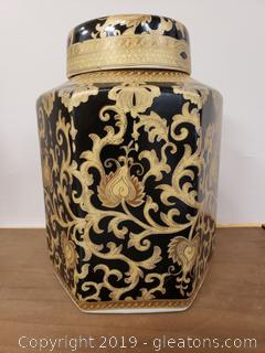 Oriental Gold Black Porcelain I'd Jar