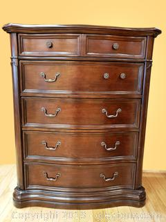 Large Chest of Drawers Lot A