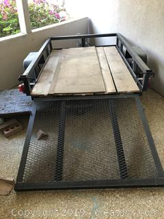 2 Wheel Trailer in Very Good Condition