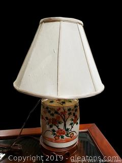 Hand painted Asian Table Lamp