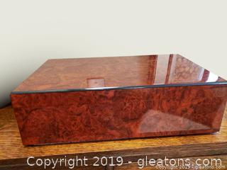 Premium Cigar Humidor Made Out Of Real Walnut Burl