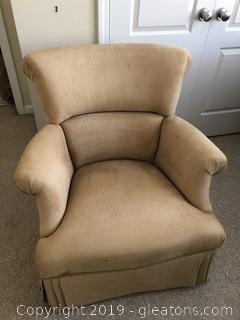 Sweet Upholstered Bedroom Chair