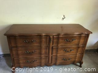 Vintage Bassett Italian Provencal 6 Drawer Dresser with brass knobs
