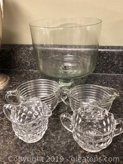 Lot of vintage depression Glass sugar and creamers and trifle bowl