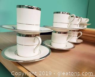 Set Of (6) Tea Cup And Saucers