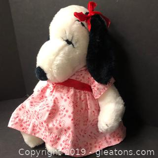 Lovely Snoopy Doll