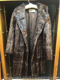 Gorgeous Female Mink Coat Size Small
