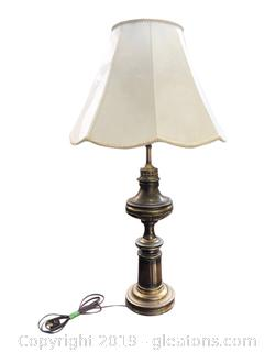 Nice Solid Brass Lamp With Shell Design Switch And Embossed Lamp Shade