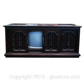 Vintage Tv. Stereo Cabinet With Built Speakers In Good Shape