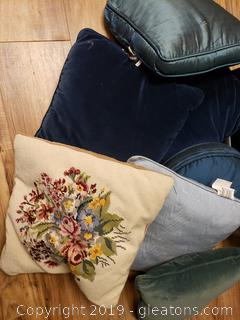 Set Of Pillow's Including One Embroidery Pillow