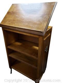 Vtg. Rolling/Portable Desk/Pulpit/Book Station